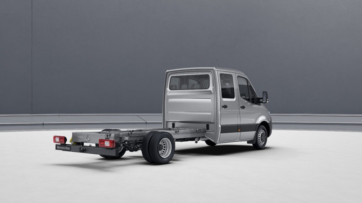 Sprinter Chassis Cab, wheelbase 4325 mm, overhang 1615 mm, side marker lamps, tail lamps with partial LED technology, steel wheels 5.5 J x 16, iridium silver