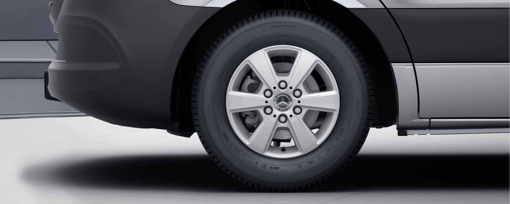 Sprinter Panel Van, 40.6-cm (16-inch) 6-spoke light-alloy wheels, painted in vanadium silver