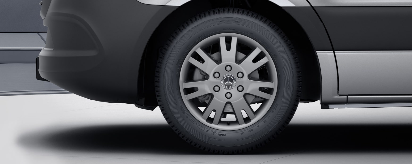 Sprinter Panel Van, 43.2 cm (17-inch) light-alloy wheels - FWD