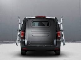 Vito Mixto, double-wing rear doors, opening to sidewall