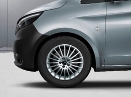 Vito Tourer, 43.2-cm (17-inch) 20-spoke light-alloy wheels, painted in vanadium silver