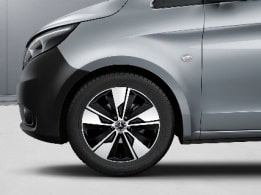 Vito Tourer, 45.7 cm (18-inch) 5-spoke light-alloy wheels