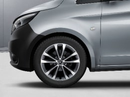 Vito Tourer, 45.7 cm (18-inch) 5-twin-spoke light-alloy wheels